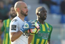 Defesa-central Pica assume baliza do CD Tondela nos últimos minutos