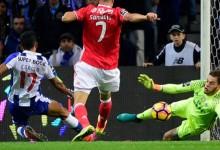 Ederson Moraes ficou a 215 minutos de igualar recorde de Manuel Galrinho Bento