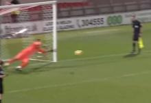 Miguel Santos defende dois penaltis e dá vitória ao Port Vale FC