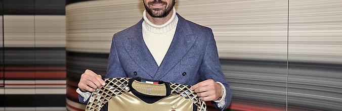 Marco Storari regressa ao AC Milan aos 40 anos e foi logo convocado