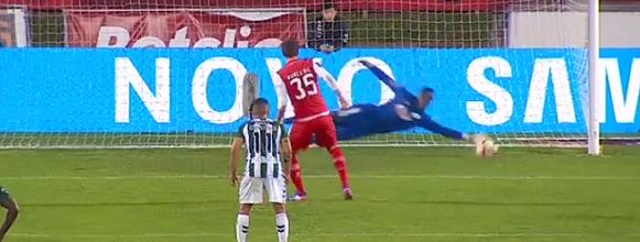 Bruno Varela defende penalti no Vitória FC 1-1 SC Braga