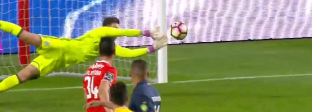 Ederson Moraes tranca baliza em bela defesa – SL Benfica 4-0 CF Os Belenenses
