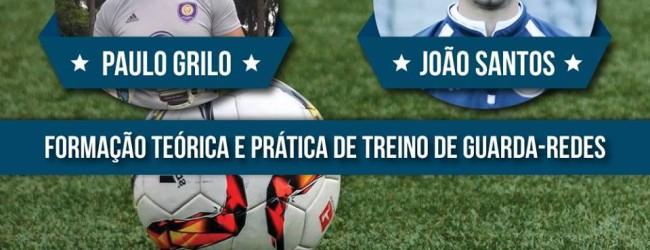 Paulo Grilo e João Santos em formação de treino de guarda-redes a 24 de abril