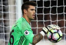 Víctor Valdés acordou rescisão mútua com o Middlesbrough FC