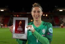 Sari van Veenendaal é a melhor em campo – Holanda 1-0 Dinamarca