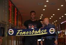Carlos Kameni assina pelo Fenerbahçe