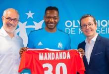 Steve Mandanda regressa ao Olympique de Marseille após uma temporada no Crystal Palace FC