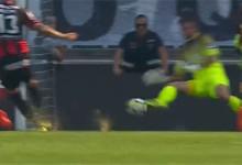 Michal Miskiewicz estreia-se com várias defesas com os pés – Vitória SC 1-1 CD Feirense