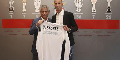 Odysseas Vlachodimos assina pelo SL Benfica até 2023