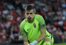 Andriy Lunin assina pelo Real Madrid CF aos dezanove anos