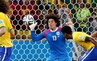 Mundial'2014: Guillermo Ochoa espetacular no último grito sob a linha de golo