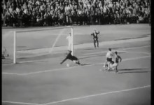 Mundial'1962: Lev Yashin defendeu num um-para-um desde o meio-campo