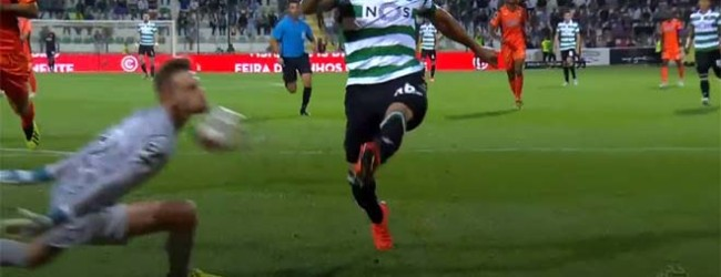 Leonardo Navacchio abafa investida e defende com a cara – Portimonense SC 4-2 Sporting CP