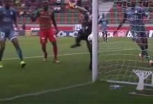 Cristiano Figueiredo fecha a baliza em desvio contra o poste – CS Marítimo 0-1 Vitória FC