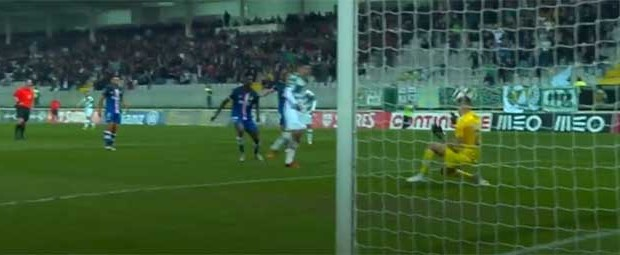 Quentin Beunardeau destaca-se em duas defesas entre resvalos – Moreirense FC 1-0 CD Aves