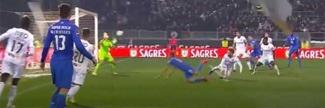 Douglas Jesus espetacular em duas defesas – Vitória SC 0-0 FC Porto