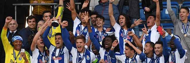 Diogo Costa, Carlos Peixoto, Francisco Meixedo e João Gonçalo vencem Youth League com o FC Porto