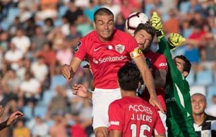 Marco Rocha renova pelo CD Santa Clara