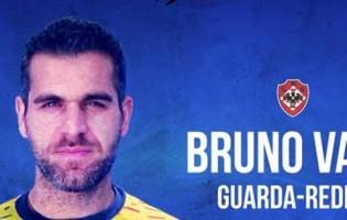 Bruno Vale assina regresso a Portugal e à UD Oliveirense