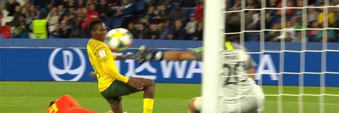 Kaylin Swart destaca-se em três intervenções vistosas – China 1-0 África do Sul