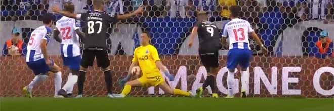Agustín Marchesín antecipa-se e faz duas defesas de último grito – FC Porto 4-0 Vitória FC