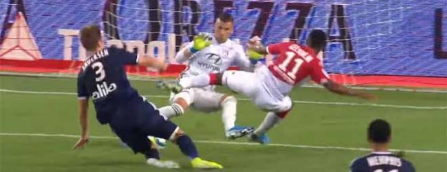 Anthony Lopes fecha a baliza com defesa com os pés no um-para-um – AS Monaco 0-3 Lyon