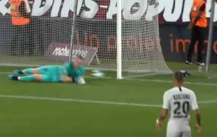 Marcin Bulka estreia-se com defesas dificultadas – FC Metz 0-2 PSG