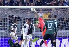 Gianluigi Buffon faz defesa vistosa no último minuto em lance fortuito – Juventus FC 2-1 Bologna FC