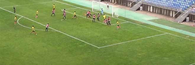 Lucas Paes aparece em várias intervenções – Louletano DC 1-2 FC Paços de Ferreira