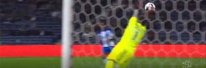 Raphael Aflalo estreia-se com duas defesas vistosas – FC Porto 1-0 CD Aves