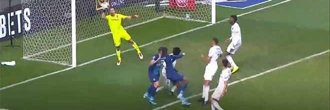 Douglas Jesus destaca-se em duas defesas – FC Porto 2-1 Vitória SC
