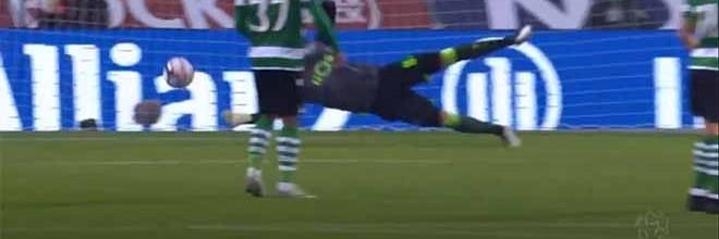 Luís Maximiano destaca-se em duas defesas de nível após precipitação – Sporting CP 1-2 FC Porto