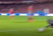 Matheus Magalhães assina defesa espetacular – SL Benfica 0-1 SC Braga