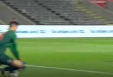 Helton Leite no caminho da bola para trancar a baliza – SC Braga 0-1 Boavista FC