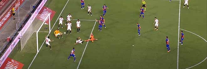 Marko Dmitrovic defende espetacular, Ocampos marca-lhe e no último minuto defende-lhe remate para golo – Sevilla FC 1-0 SD Eibar