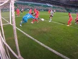 Dênis protagoniza defesa de nível – Sporting CP 3-1 Gil Vicente FC