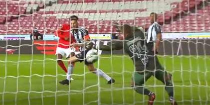 Samuel Portugal defende em duas situações – SL Benfica 2-1 Portimonense SC