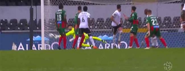 Amir Abedzadeh evita golo depois de várias precipitações – Vitória SC 1-0 CS Marítimo