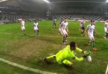 Antonio Adán fecha a baliza em defesa dificultada – Boavista FC 0-2 Sporting CP