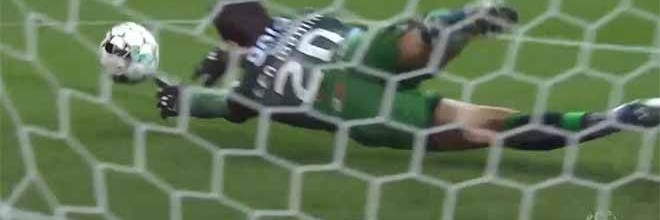 Léo Jardim protagonista em duas defesas – FC Porto 2-2 Boavista FC