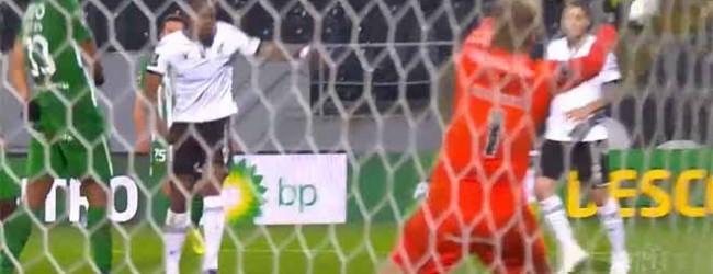 Pawel Kieszek exigido num dos últimos lances – Vitória SC 1-3 Rio Ave FC