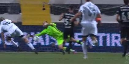 Antonio Adán fecha a baliza em duas defesas espetaculares – SC Farense 0-1 Sporting CP