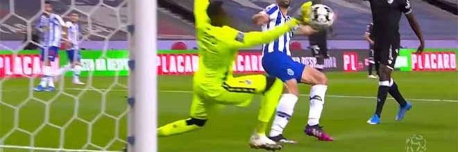 Bruno Varela responde por três vezes – FC Porto 1-0 Vitória SC