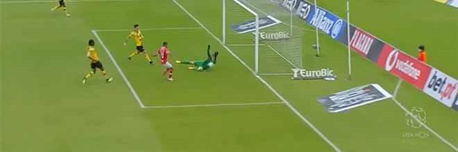 Mateus Pasinato faz defesas quase iguais no último grito – CD Santa Clara 0-0 Moreirense FC