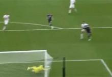David Marshall defende várias vezes entre golo sofrido desde o meio-campo – Escócia 0-2 República Checa (Euro'2020)