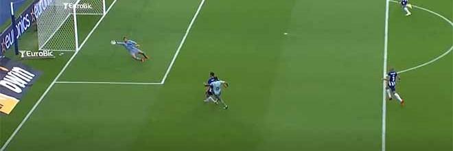 Diogo Costa fecha a baliza em desvio lateral – FC Porto 3-0 FC Arouca