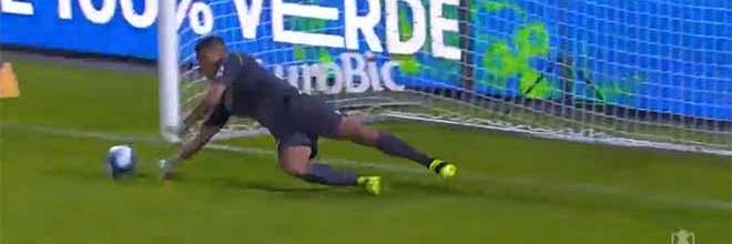 Luiz Reis Júnior defende penalti após erros com golo sofrido – FC Paços de Ferreira 2-0 FC Famalicão
