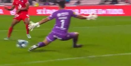 Matheus Magalhães faz defesa de nível entre outras e precipitações – Gil Vicente FC 0-1 SC Braga