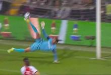 Rodrigo Moura faz defesa caricata e espetacular com o pé – CD Trofense 1-2 SL Benfica